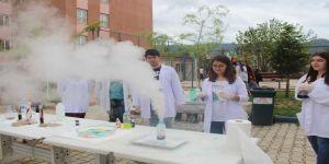 Fen Lisesinde Bilim Fuarı