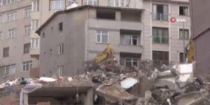 Kağıthane'de Hasarlı Binaların Yıkımına Başlandı