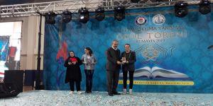 Kitap Okuma Yarışmasının Birincisi Simav Fen Lisesi'nden Çıktı