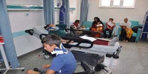 Tarım İşçilerini Taşıyan Kamyonet Devrildi: 24 Yaralı