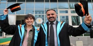 Baba-kız aynı üniversiteden mezun oldu