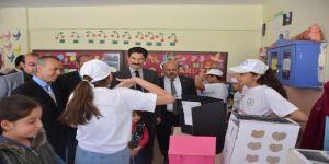 Derik'te 4006 Tübitak Bilim Fuarı Açıldı
