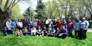 'Serhat Öğretmen' çocuklarla piknik yaptı