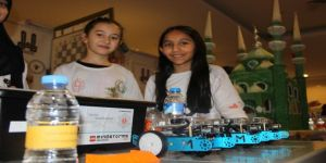 Teknoloji buluşmasında öğrenciler kıyasıya yarıştı