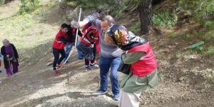 Görme Engelli Bireylerden Spil Dağı'na Tırmanış