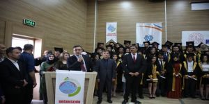 Doğanşehir Anadolu Lisesinde Mezuniyet Coşkusu