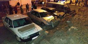 Alaplı'da İstinat Duvarı Çöktü, Araçlar Zarar Gördü