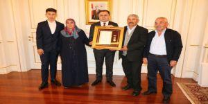 Şehit ailelerine Devlet Övünç Madalyası ve beratı verildi