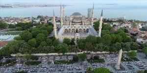 Sultanahmet'te binlerce kişi iftar sofrasında buluştu