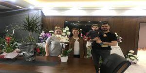 Kutlama Çiçekleri Satılmaya Başladı