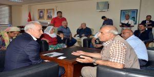 Akdeniz Belediyesi'ndeki 'Halk Günü' Etkinliğine Yoğun İlgi