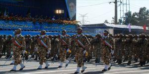 İran ordusundan hükümetin nükleer kararına tam destek