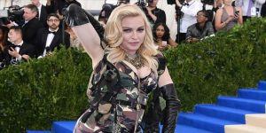 Madonna'ya 'Katillerin sahnesine çıkma' çağrısı