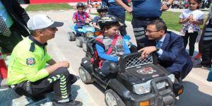 Alaşehir'de Öğrencilere Uygulamalı Trafik Eğitimi Verildi