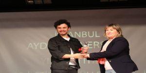 İaü İletişim Ödülleri'nde Ünlüler Geçidi