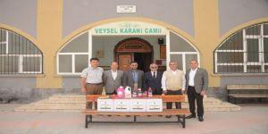 Osmaniye'de Camilere Temizlik Malzemesi Dağıtılıyor