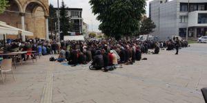 Düzceliler Ramazanın İlk Cuması Camileri Doldurdu