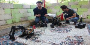 Hatay'da İkiz Kardeşler Su İle Çalışan Kepçe Yaptı