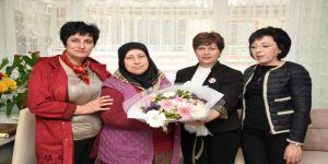 Edremit Belediyesi Şehit Annelerini Unutmadı