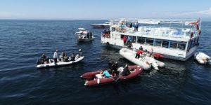 Marmara'da suyun altında nefes kesen yarış