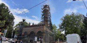 597 yıllık cami ödenek yetersizliğinden çürüyor