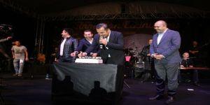 Ferhat Göçer'e konserinde doğum günü sürprizi