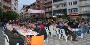 2 bin kişilik iftar sofrası