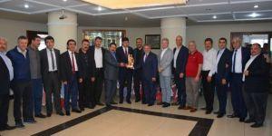 AYESOB Yönetiminden Özcan'a 'hayırlı olsun' ziyareti