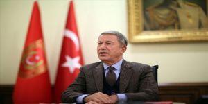 Bakan Akar, Rusya Savunma Bakanı Şoygu İle Telefonda Görüştü