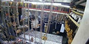 Eyüpsultan'daki İlginç Gümüş Hırsızlığı Kamerada