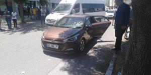 Otomobil İle Bisiklet Çarpıştı: 1 Yaralı