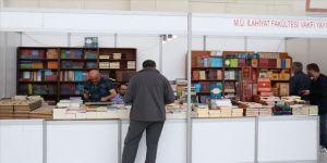 38. Türkiye Kitap ve Kültür Fuarı' gece yarısına kadar açık