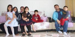 Yetimlerle gönüllüleri iftar sofralarında buluşturuyorlar