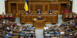 Ukrayna Devlet Başkanı Vladimir Zelenskiy görevine başladı