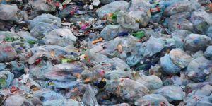 Malezya'ya kaçak getirilen plastik atıklar iade edildi