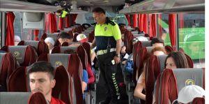 Otobüs yolcularına 'emniyet kemeri' uyarısı