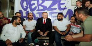 Cumhurbaşkanı Erdoğan minibüs durağını ziyaret etti