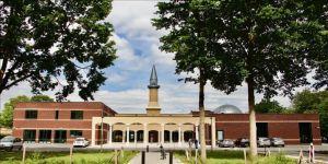 Hollanda'daki Tevhit Camisi açılışa hazırlanıyor