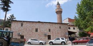 Tarihi cami bin yıldır Müslümanların hizmetinde