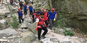 Bursa'da özçekim yaparken kayalıklardan düşen genç öldü