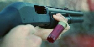Tüfekle oynayan çocuk kardeşinin ölümüne neden oldu