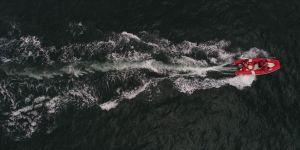 Tekneyle açıldıkları denizde kaybolan kişiyi arama çalışmaları sürüyor