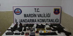 Mardin'de teröristlere ait çok sayıda mühimmat ele geçirildi