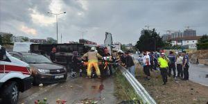 Maltepe'de 8 araç kazaya karıştı: 4 yaralı