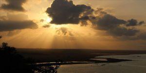 BAE gözünü Yemen'in doğa harikası stratejik adasına çevirdi