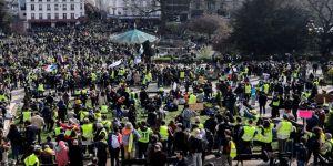 Fransa'da sarı yelekliler gösterilerin 32. haftasında yeniden sokaklarda