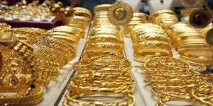 Gram altın haftaya düşüşle başladı