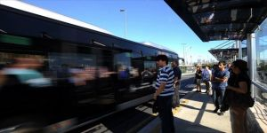300 ek metrobüs seferi konuldu