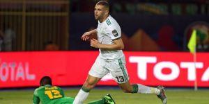 Slimani, Cezayir'i sırtladı