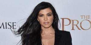 Kourtney Kardashian kusursuz fiziğini sergiledi